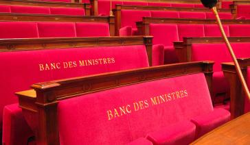girardin soutenu par le parlement